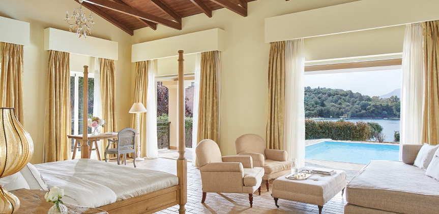 01-palazzina-villa-luxury-master-bedroom-with-private-pool