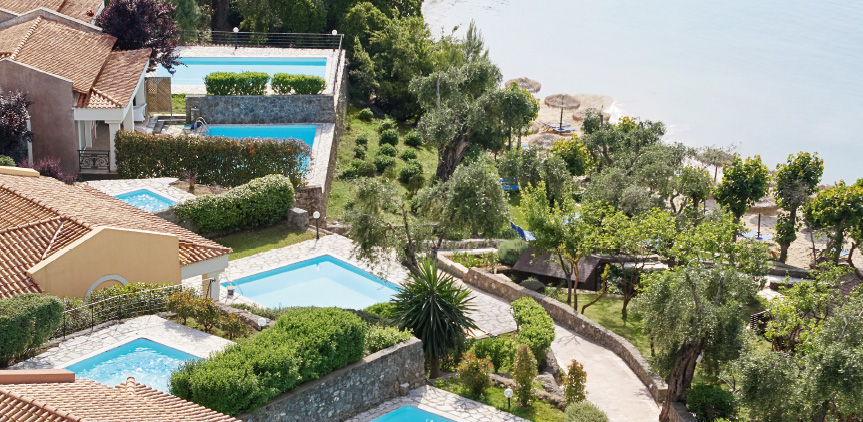 02-palazzina-villa-with-two-private-pools-and-sea-view