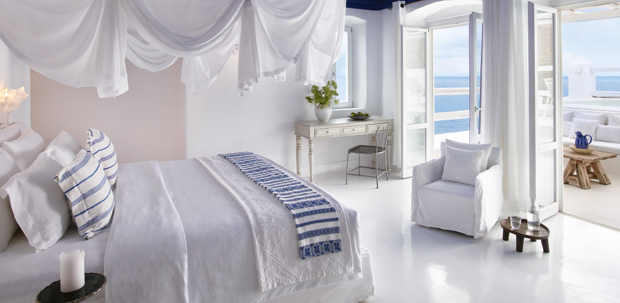 1-luxury-accommodation-sea-view-in-royal-blu-mansion-mykonos