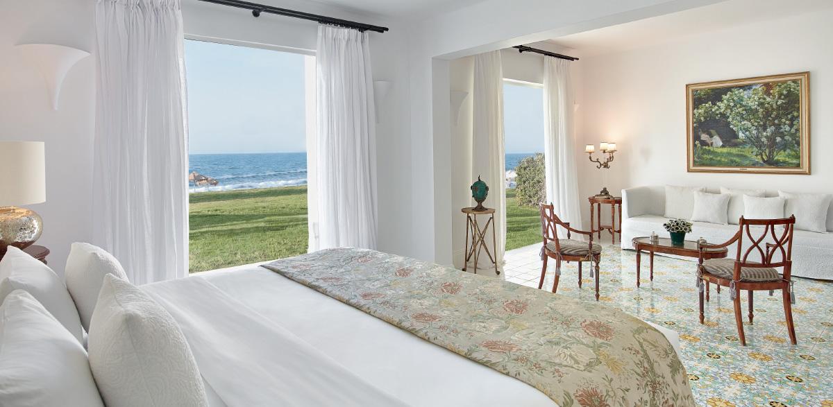 05-2-bedroom-beach-villa-luxury-vacations-caramel-in-crete