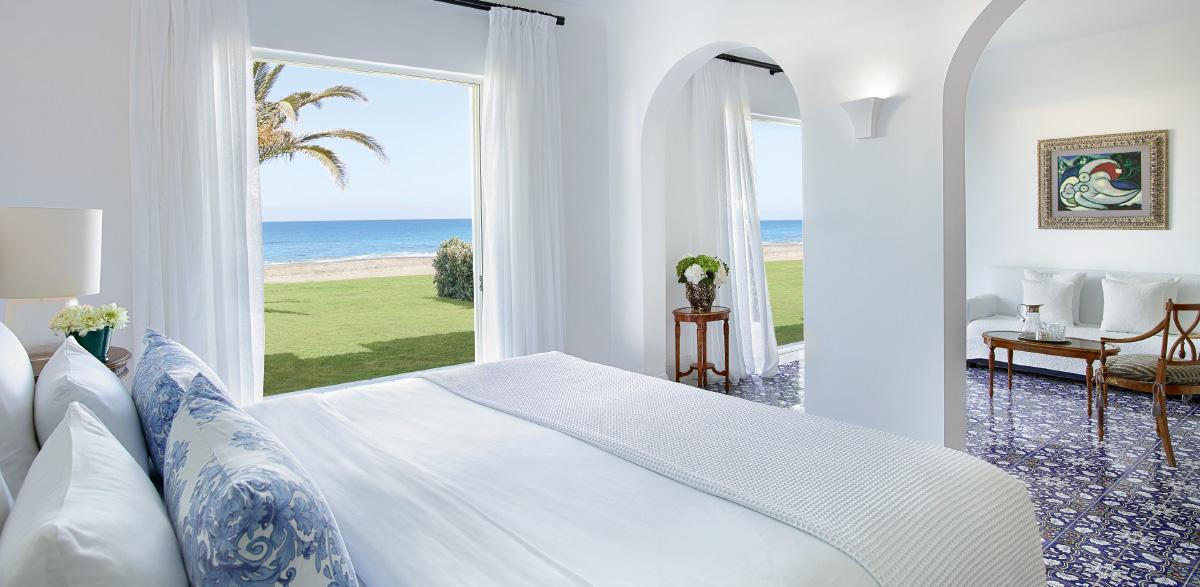09-2-bedroom-beach-villa-luxury-resort-caramel-in-crete