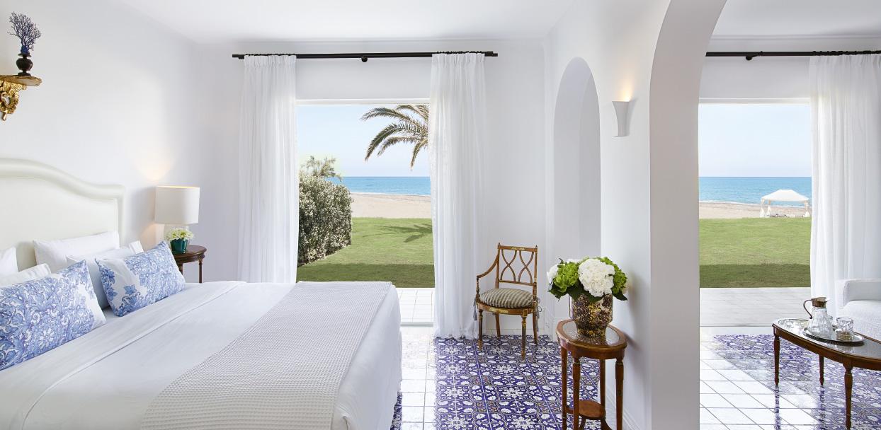 03-luxury-beach-villa-in-crete-island