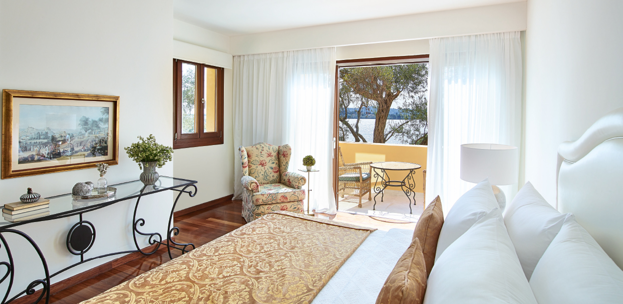 02-3-bedroom-beachfront-villa-private-pool
