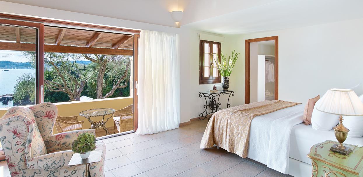 03-3-bedroom-beachfront-villa-private-pool-luxury-accommodation