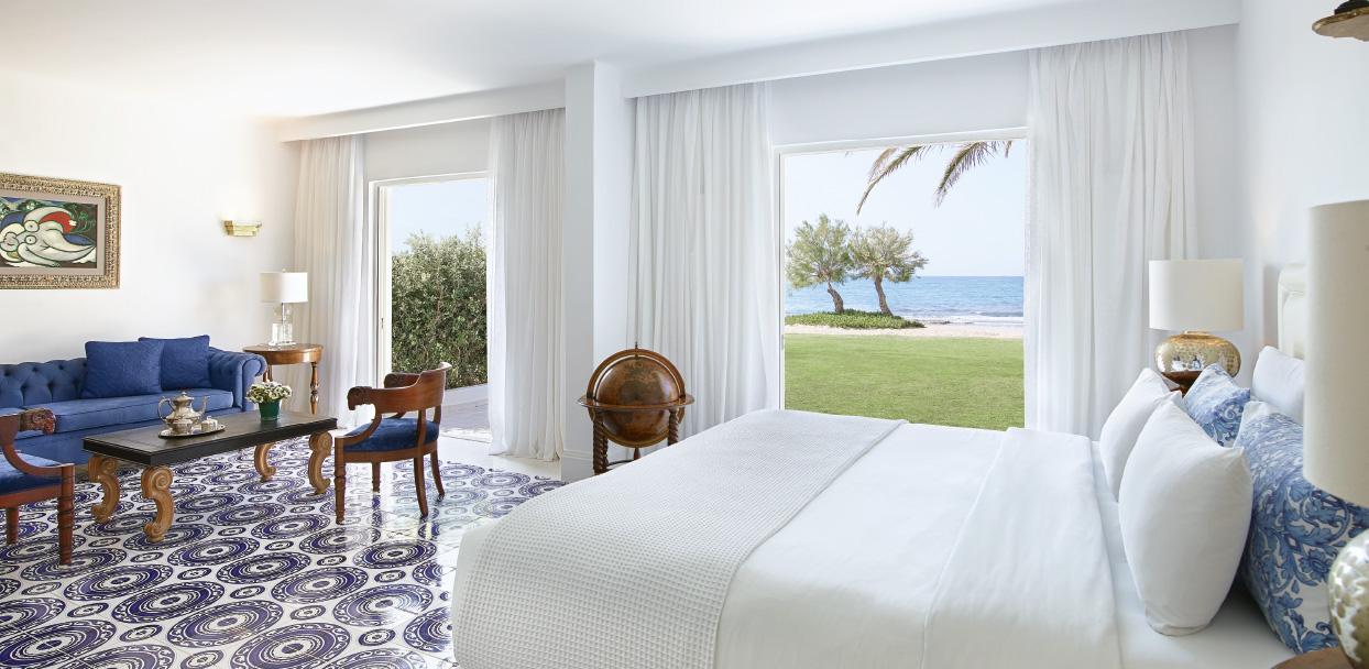 02-3-bedroom-maisonette-beach-villa-crete-island