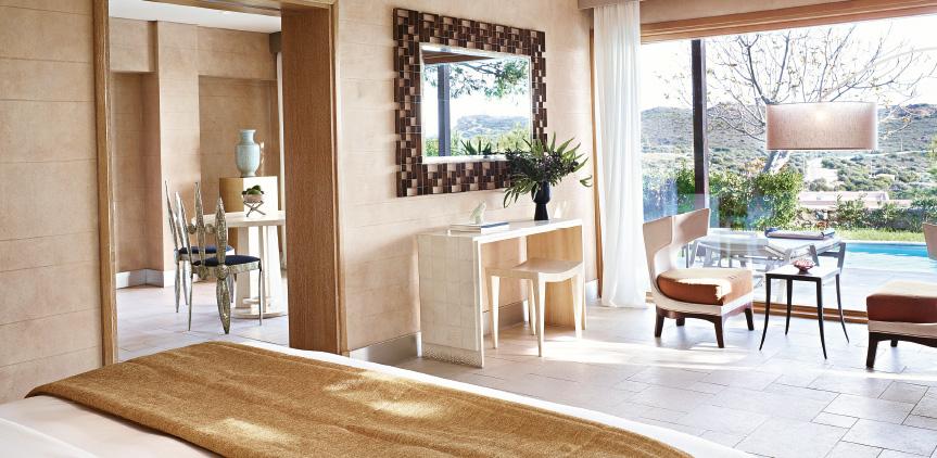 1-ambassador-villa-private-pool-master-bedroom