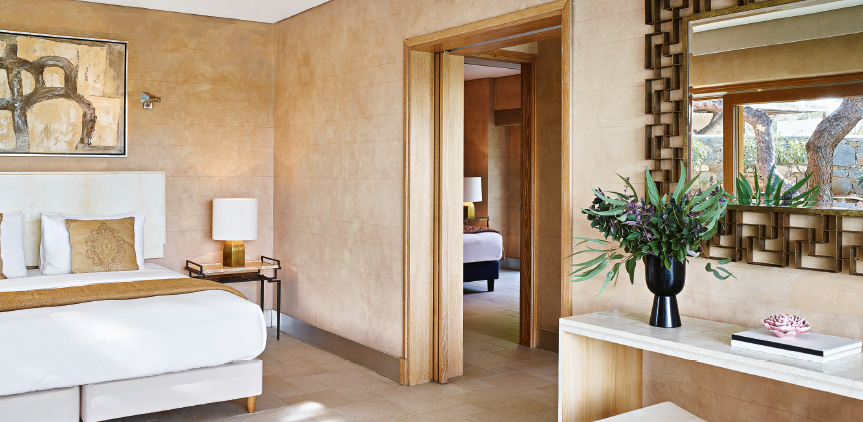 4-ambassador-villa-luxury-bedroom-in-sounio-attica