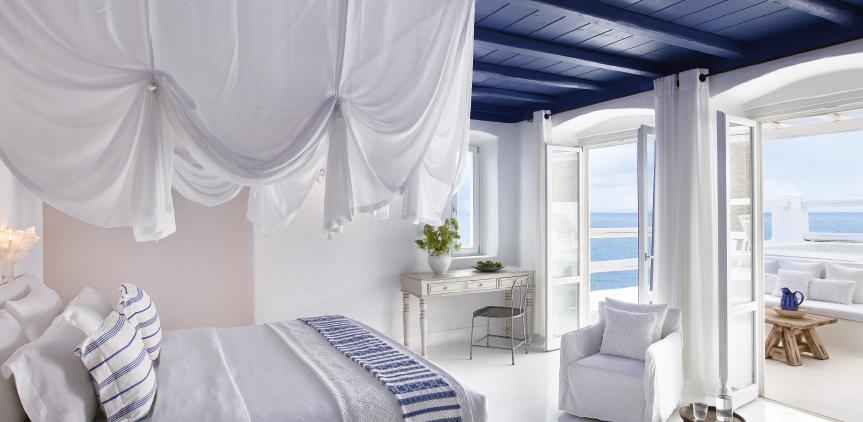 4-deep-blu-villa-mykonos-master-bedroom-sea-view