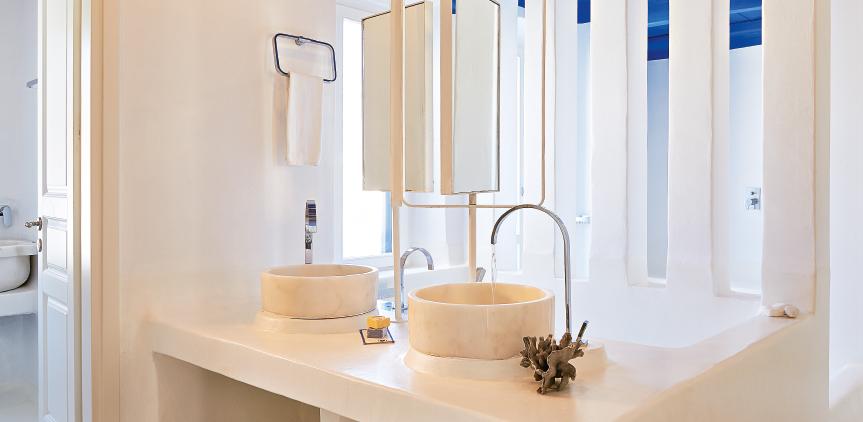 5-deep-blu-villa-light-filled-luxury-bathroom
