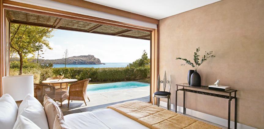 1-family-villa-private-pool-in-sounio-temple-of-poseidon-view