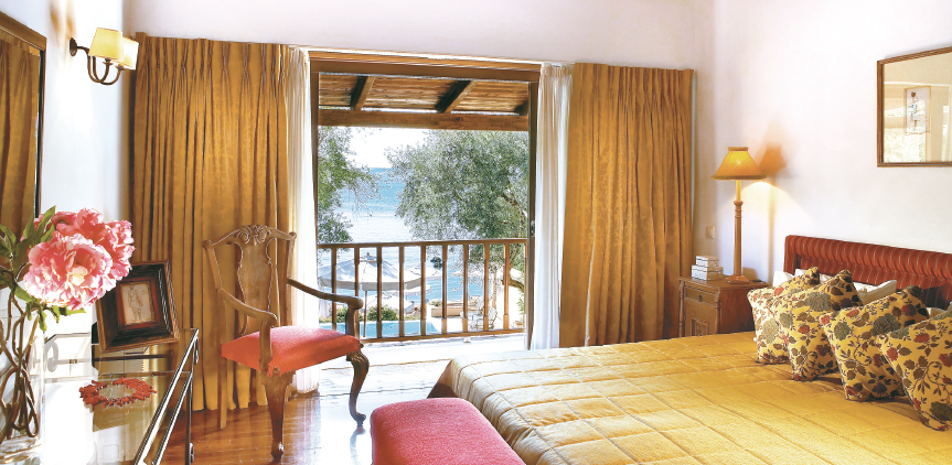 05-dream-villa-private-pool-luxury-bedroom