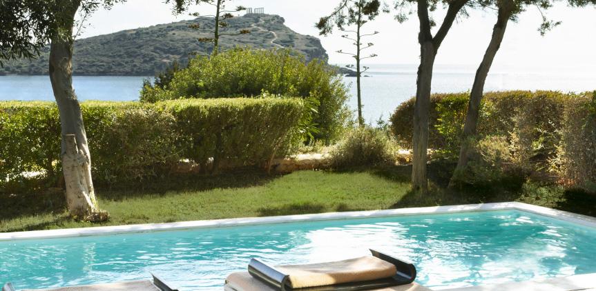 4-dream-villa-with-private-pool-and-sea-view-in-sounio-attica