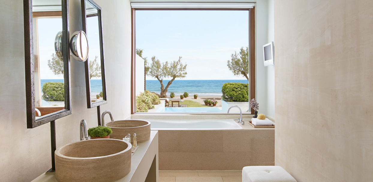 3-amirandes-creta-beach-villa-with-pool-bathroom