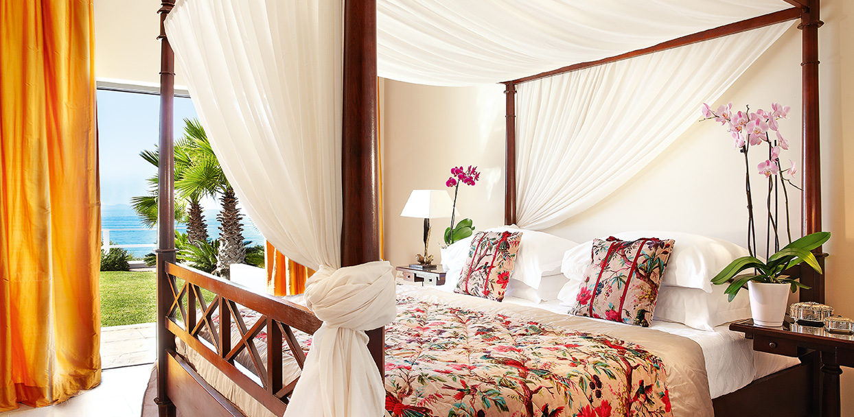 02-villa-iolas-sea-view-bedroom-mandola-rosa-luxury-accommodation
