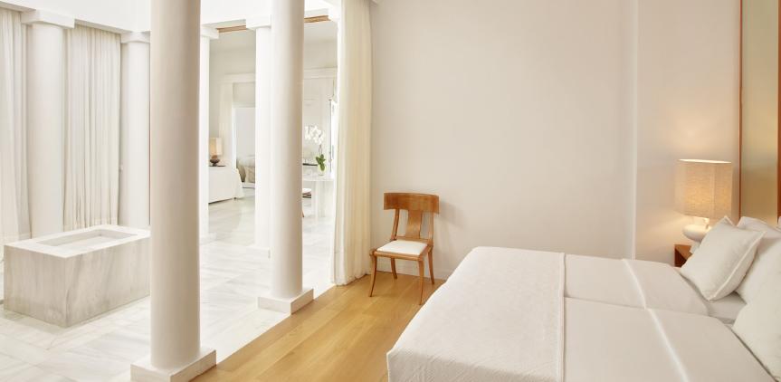 6-marble-villa-luxury-bedroom-in-kyllini-peloponnese
