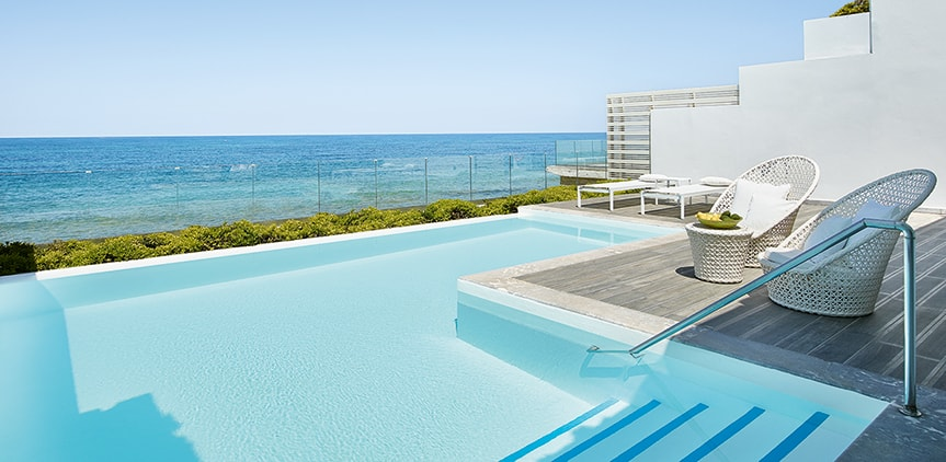 04-White-Palace-Luxury-Beach-Side-Villas-in-Crete-with-pools