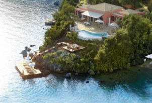 02-exclusive-villas-with-private-pool-and-sea-deck-in-corfu-island