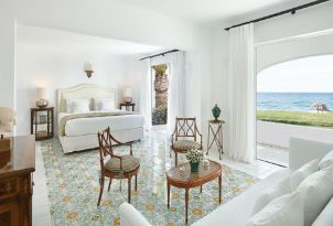 02-luxury-accommodation-with-direct-access-to-the-beach-in-rethymno-crete
