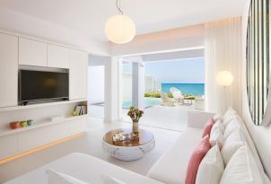 05-luxury-accommodation-with-sea-view-in-crete
