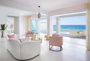 18-beach-front-villa-with-sea-view-in-greece