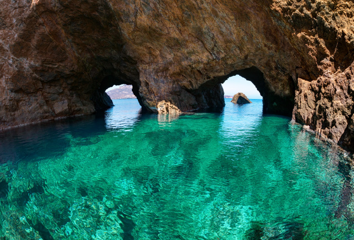 04-private-yacht-charter-south-coast-of-mykonos-dragonisi-island